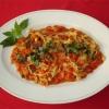 Fettuccine con i pomodori pachino e basilico.